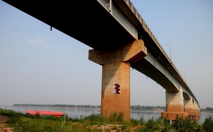 コンポンチャムと絆橋